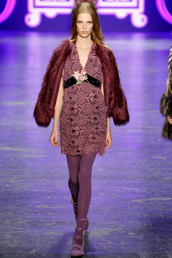Anna Sui Fall 2016 Ready-to-Wear Fashion Show - Lexi Boling