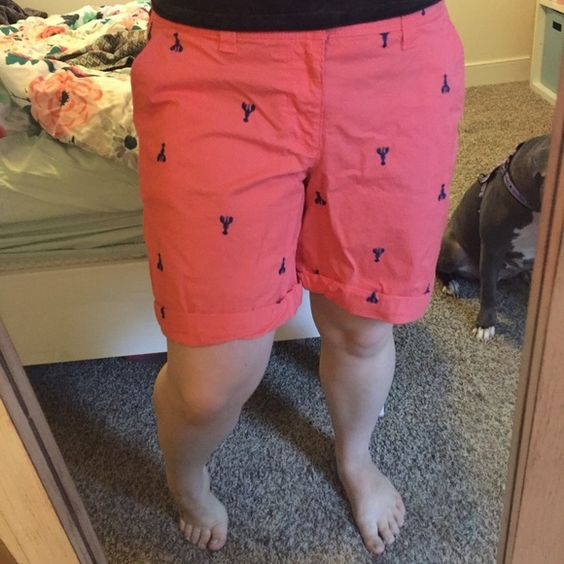 Lobster patterned Bermudas from Old Navy Adorable lobster patterned Bermuda shorts from old navy! Only worn a handful of times. Old Navy Shorts Bermudas