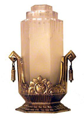 Lampe art déco en bronze nickelé et verre dépol
