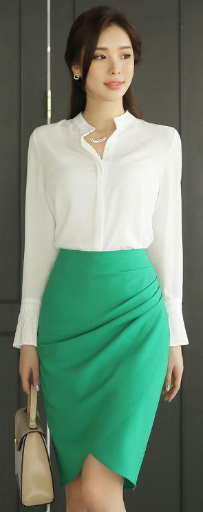 StyleOnme_Shirred Стил на обвиване Молива сфера #green #feminine #pencilskirt # spring # kstyle # koreanfashion #seoul #skirt
