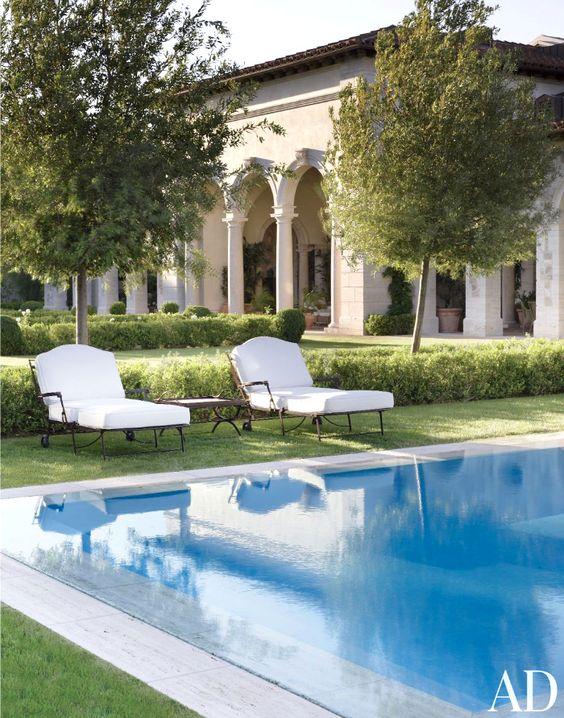 Italian style villa william hablinski poolside for Architecture firms in italy