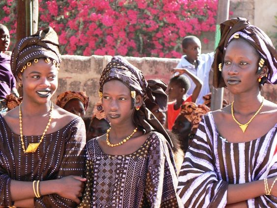 traditionelle afrikanische Kleider, Africa and traditionelle ...