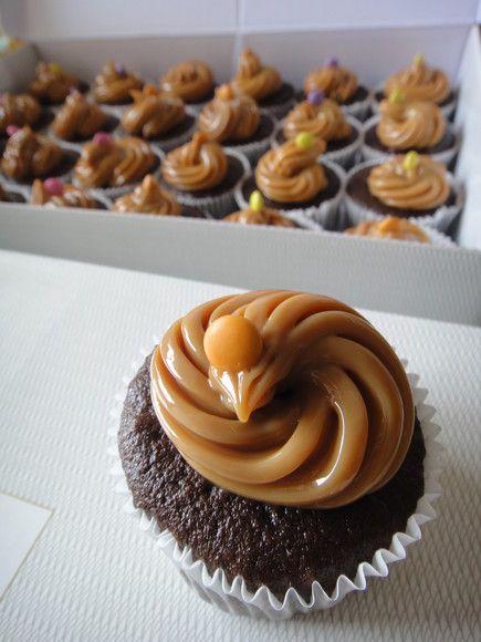 Cupcakes de doce de leite e doce de leite  Pedido mínimo cupcakes: 10  Fazemos vários temas e sabores! R$4,00