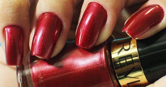 760 (Cherry Crush) Nail Enamel Mettalic Colection by Revlon - My nails @yinguinha