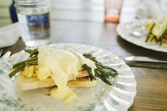 Asparagus Eggs Benedict from Bleubird http://bleubirdvintage.typepad.com/blog/2013/06/asparagus-benedict.html