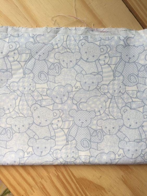 Tecido urso azul As cores podem sofrer pequenas variações em função do monitor.