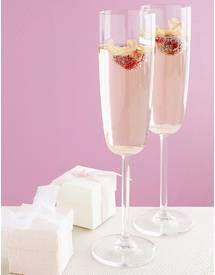 Cocktail au champagne et sirop de rose pour 8 personnes - Recettes Elle à Table - Elle à Table