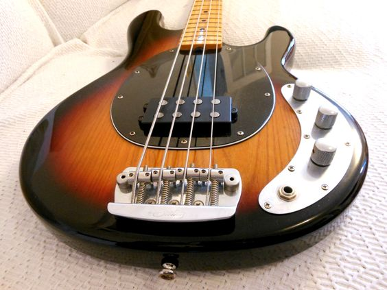 Sterling by Musicman | RAY34ca Bass guitar | Review