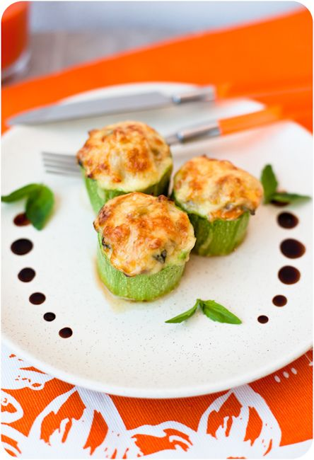 zucchini stuffed with chicken and mushrooms Кабачки ...