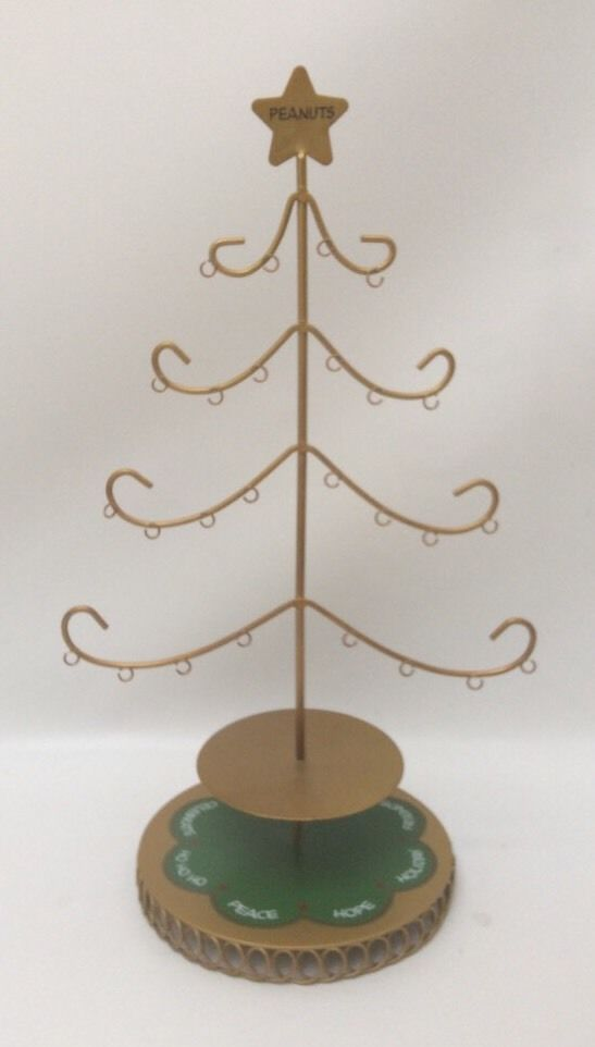 Danbury Mint A Peanuts Christmas Celebration Tree Ornament Display