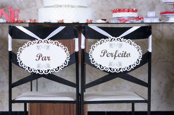 Placas para cadeira dos noivos