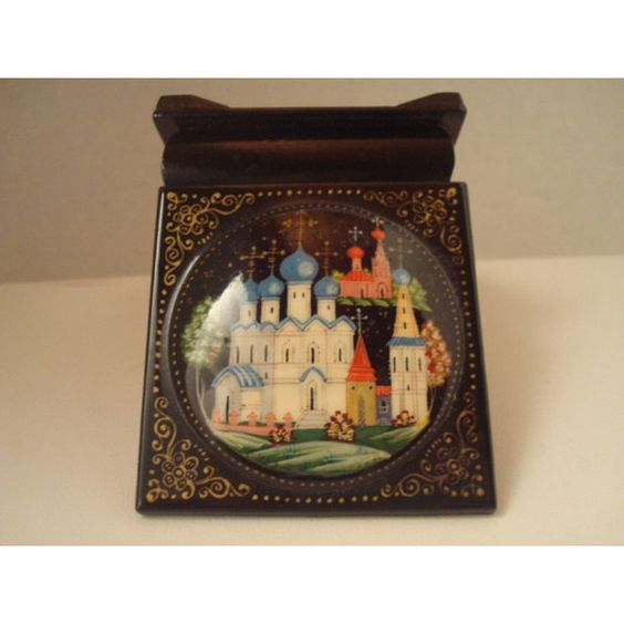 Highly collectible ceramic on lacquer trinket box (£28) ❤ liked on Polyvore featuring home, home decor, small item storage, russian lacquer boxes, black lacquer box, ceramic box, russian box and ceramic home decor