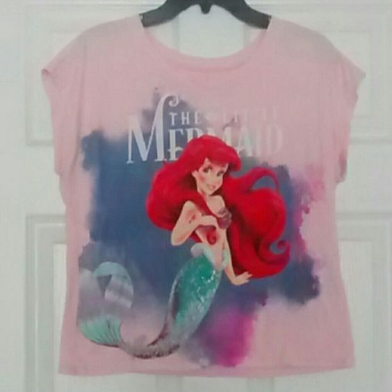 The Little Mermaid pink T-shirt Fits a little shorter than a regular tee but not considered a crop top, light pink and short sleeves. Tops Tees - Short Sleeve
