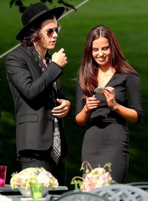 Harry and Sophia aw Harry time leave sophia is mine :)))