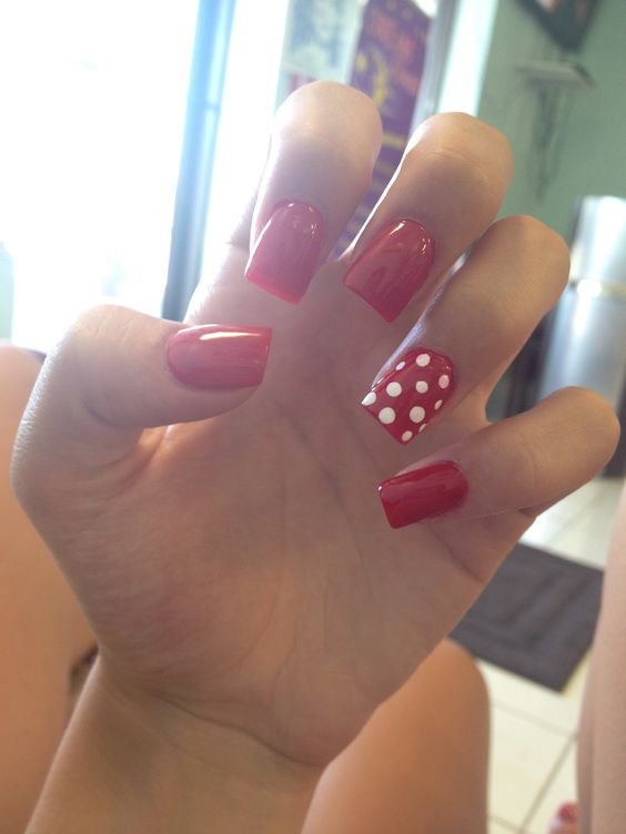 Disney Minnie Mouse Acrylic Nails
