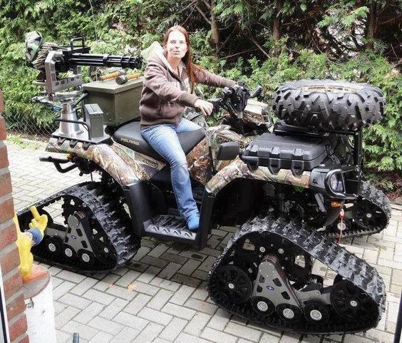 How awesome would this be to have to cruise through the woods?!?!?! I would want the G-gun forward of me and not really sure what the spare tire on the front is for but really cool!!!!!