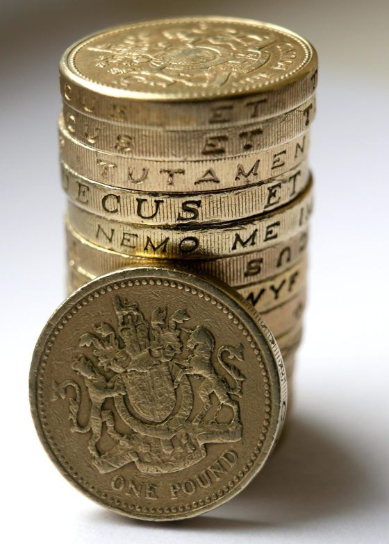 Here S How To Spot If Your Last Remaining Round 1 Coins Are Fake One Pound Coin Old British Coins Coins