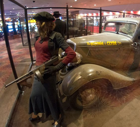 Bonnie-and-Clyde-Death-Car-Tommy-Gun-Whiskey-Petes.jpg (792×720)