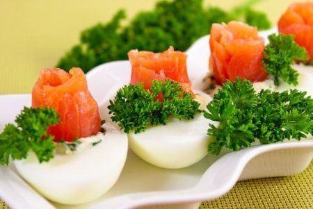 Eggs stuffed with salmon. | CULINARY BOOK