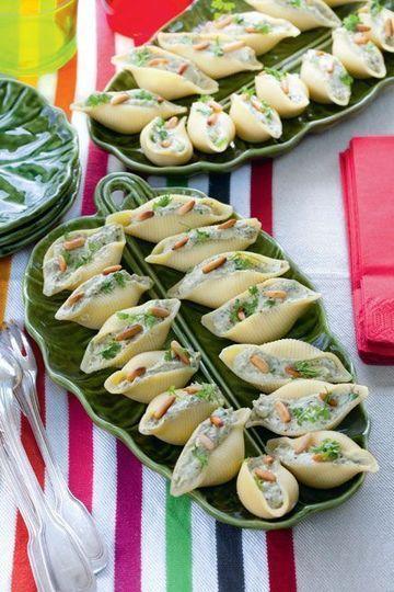 DES PÂTES FARCIES ET GOURMANDES - Simples et savoureuses, ces pâtes farcies à manger avec les doigts s'accommoderont très simplement avec de la crème et des herbes aromatiques !
