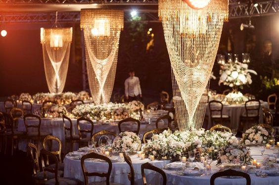 Matrimonio anni 20 tra perle, cristalli, piume e fiumi di champagne