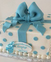 Gift box cake   Sugar Divas Cakery   Orlando   Cupcakes   Custom Cakes.       Www.sugardivascakery.com