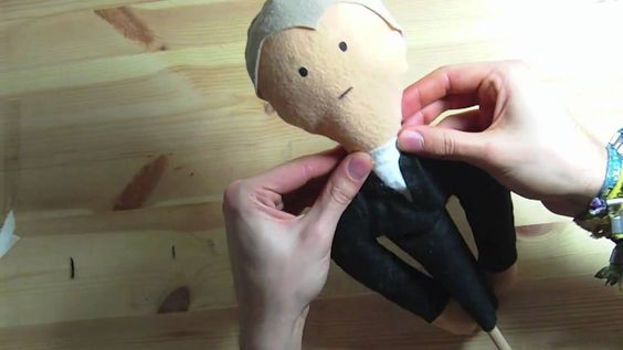 In this tutorial I will show you how to make hand puppets. In this second part you'll learn how to make a whole puppet For more information visit us at http:...