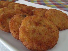 Ingredientes:   1 coliflor  4 patatas  Sal  Pimienta  Pan rallado  1 huevo  Ajo  Perejil        Elaboración:   Lavar la coliflor, part...