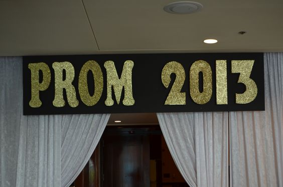 Prom 2013 by www.idealpartydecorators.com