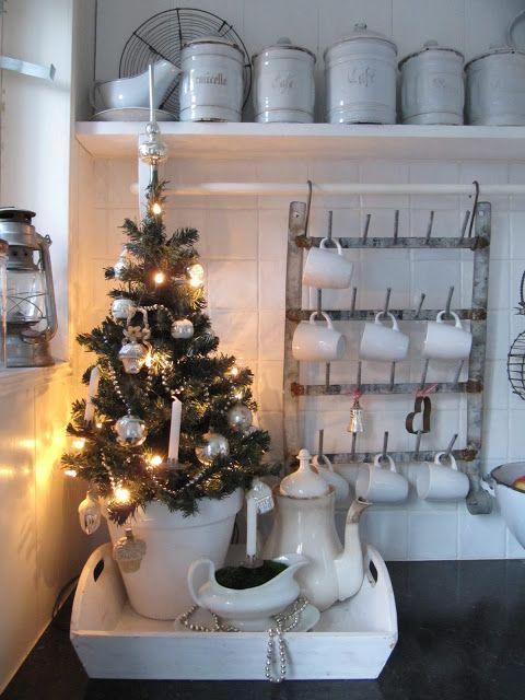 Pin di Jitka Polaskova su vánoce | Piccoli alberi di natale ...