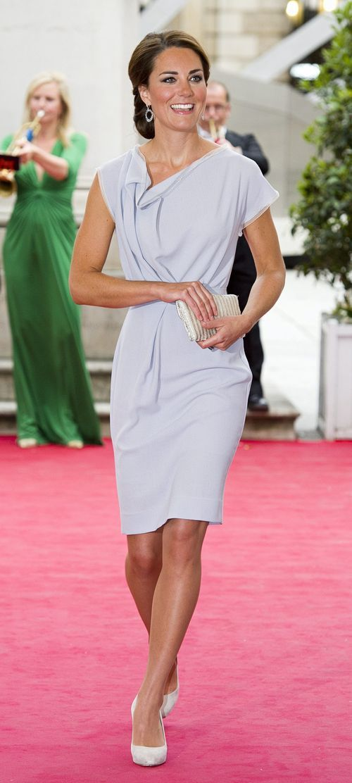 Kate rules Vanity Fair's best dressed list #fashion #royals