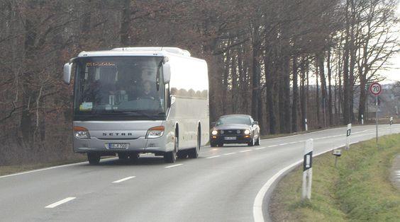 2013 23:47)bahnwahn schrieb: [ -> ] Da wäre dieser Bus, der mir am 26.12.2012 zwischen Waldenbuch Hasenhof und Steinenbronn entgegen kam (Linie 86, ...