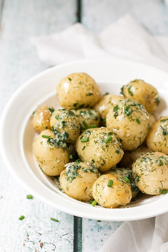 Garlic Potatoes with Dill
