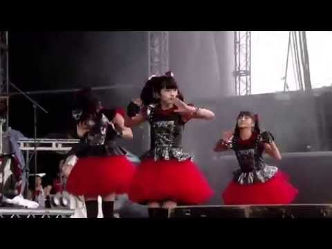 BABYMETAL 「Gimme Chocolate!!」ギミチョコ ! ! Full (Live Combination) 歌詞付き - YouTube