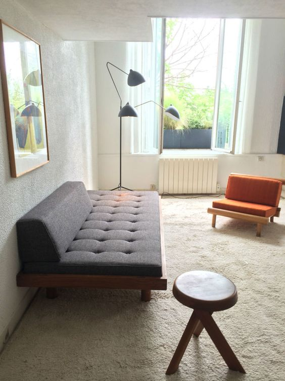d tails sur banquette canap lit day bed godot pierre chapo de 1970 50 en orme seltz lits. Black Bedroom Furniture Sets. Home Design Ideas
