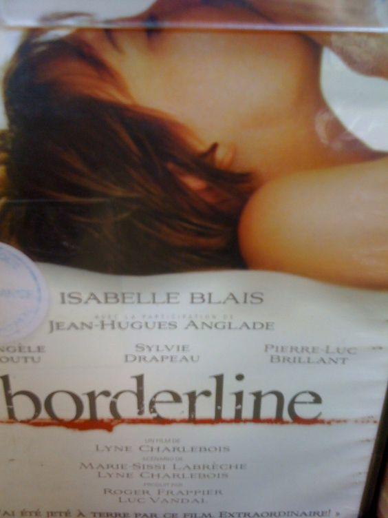 j ai adore bordeline ( que j ai vu a sydney soit dit en passant :) et meme plusieurs fois : ce qui est rare chez moi! -) avec isabelle blais ( bien connue icite) et jean luc anglade (37.2C le matin). Kiki (Isabelle Blais) a un trouble de la personnalité...