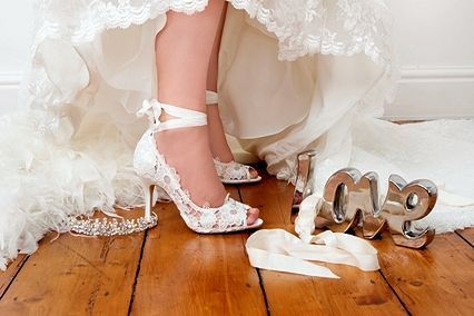 Match your bridal shoes with your dress  http://easemywardrobe.cyberlobe.com/