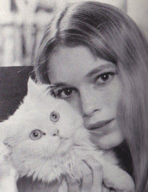 mia farrow and kitty