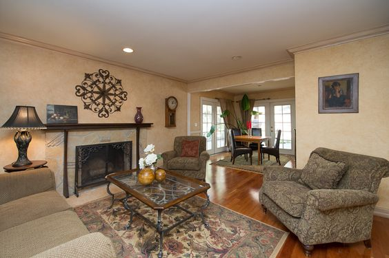 30729 Lakefront Dr., Agoura Hills for sale $735,000. 3+2, 1720sf