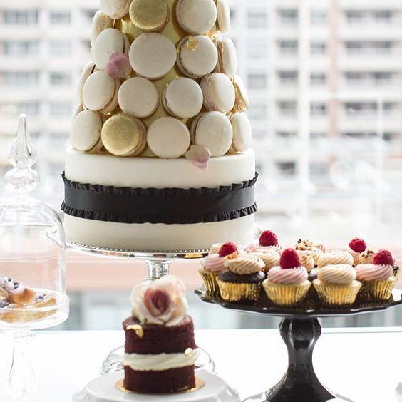 #DessertTablescape #NadiaandCo #macarontower