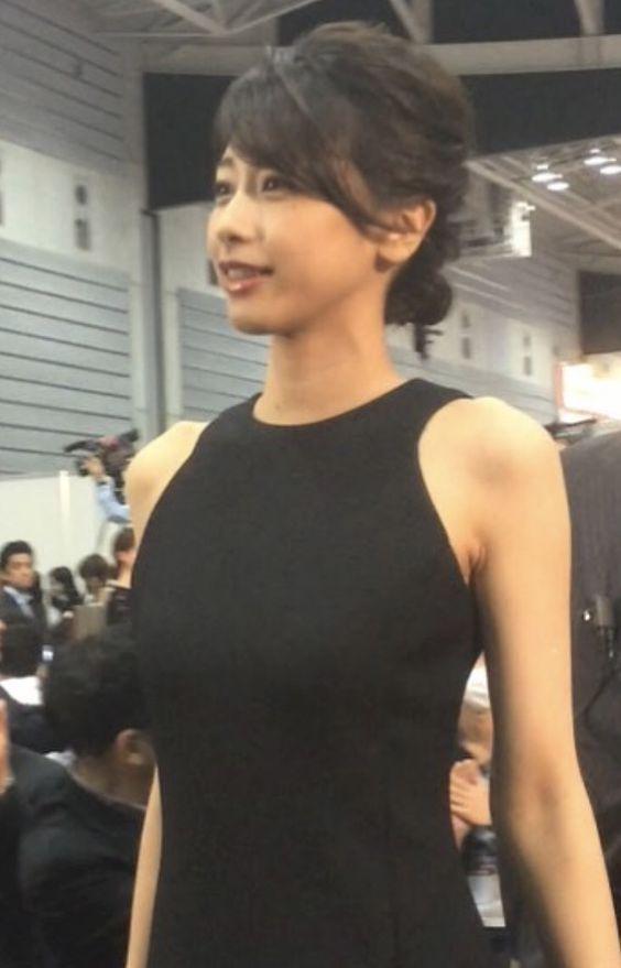 鳩胸な加藤綾子さん