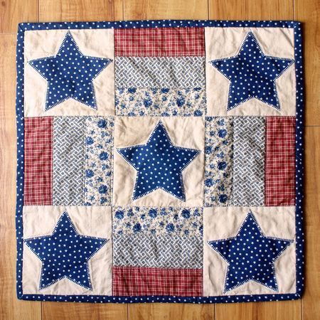 By Hilary Kanwischer. Inspiration for a quilt card. Could use just 4 panels instead of all 9.