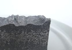 Salzseife mit Aktivkohle und naturreinen ätherischen Ölen aus unserer Naturseifenmanufaktur