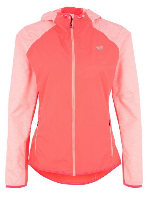 So macht Jogging auch bei schlechtem Wetter Spaß! New Balance SURFACE RUN - Laufjacke - pink für 43,95 € (10.01.16) versandkostenfrei bei Zalando bestellen.