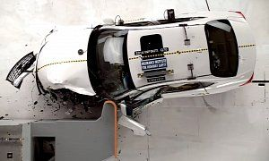Infiniti Q70 Aces Small Overlap Front Crash Test, Earns IIHS Top Safety Pick+ Award [Video] http://makemyfriday.com/2014/10/infiniti-q70-aces-small-overlap-front-crash-test-earns-iihs-top-safety-pick-award-video/ #News