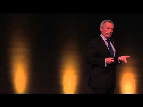 Chris Skinner on stage Finance 2 0 Conference Zurich - YT Channel Embed My new client is genius!