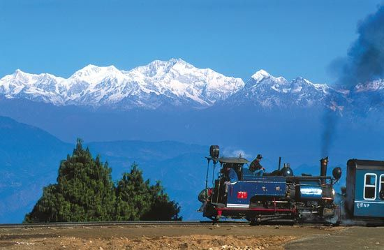 Train Tour of the Hill Stations, Darjeeling, India (West Bengal)