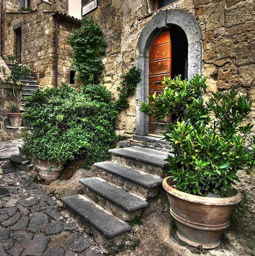 Pienza...the beautiful colors of Tuscany! great shop in pienza: http://www.altroieriantichita.it/index.html
