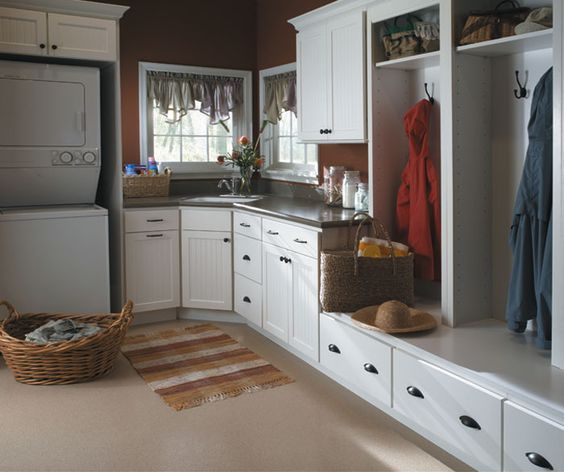 Kitchen Remodel Kalamazoo Mi: Keeping A Combined Laundry And Mudroom Organized With