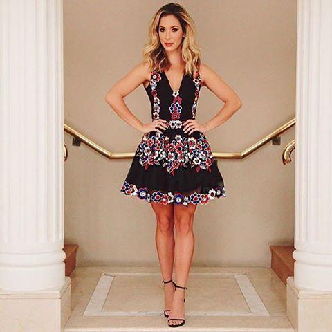 💎💁🏼Vendedora online 💁🏼 📲📲📲17-99679-0101 👉 www.claudiaoliveiraofficial.com.br 👉 Localize por Vestido Blessed 👉 💰 799,98 📲 17- 99679-0101 📞 17.3641.1924 #claudiaoliveiraofficial #vestidofesta #moda #fashion #partydress